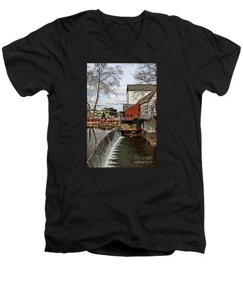 Bucks County Playhouse Men's V-Neck T-Shirt