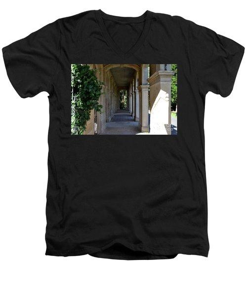 Captain Cook Museum Walkway Men's V-Neck T-Shirt