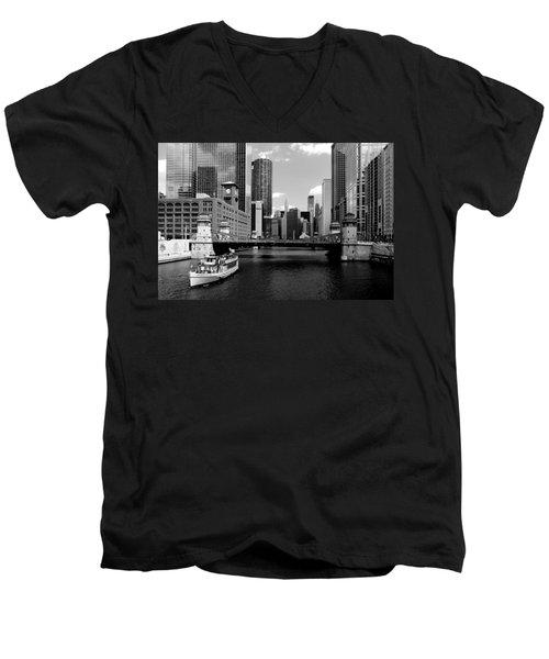 Chicago River Skyline Bridge Boat Men's V-Neck T-Shirt