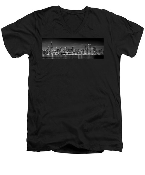 Chicago Skyline At Night Black And White Men's V-Neck T-Shirt