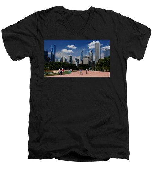 Chicago Skyline Grant Park Men's V-Neck T-Shirt
