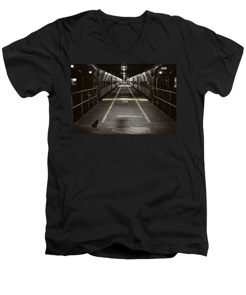 Chicago Station Men's V-Neck T-Shirt