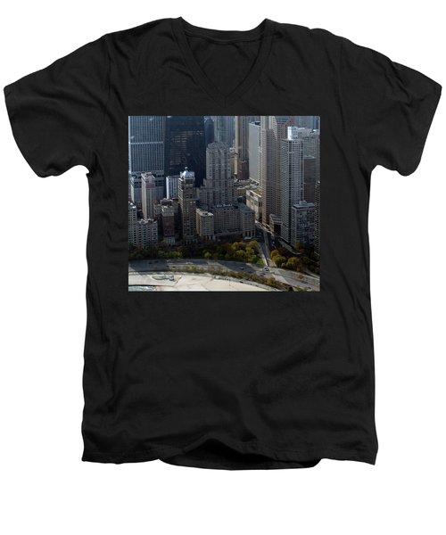 Chicago The Drake Men's V-Neck T-Shirt