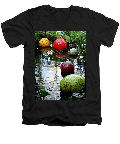 Chihuly Globes Men's V-Neck T-Shirt