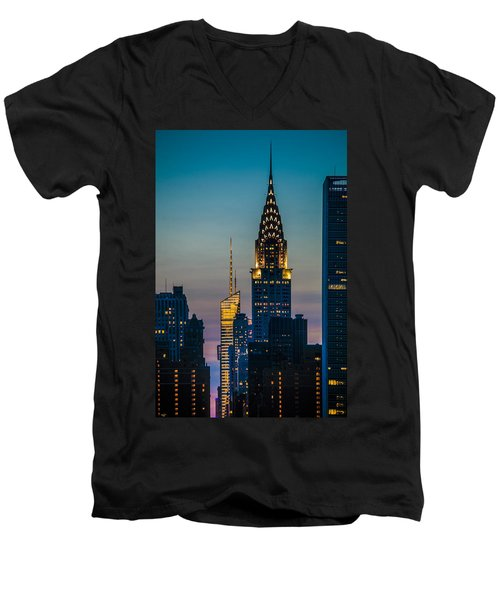 Chrysler Building At Sunset Men's V-Neck T-Shirt