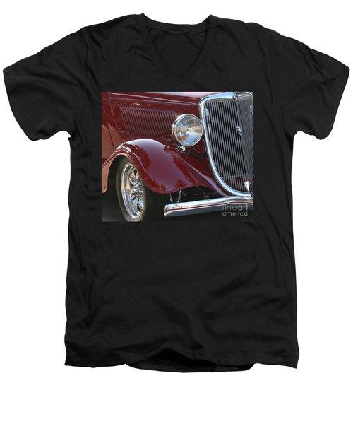 Classic Ford Car Men's V-Neck T-Shirt