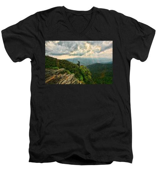 Cliff Tops At Mt. Leconte Gsmnp Men's V-Neck T-Shirt
