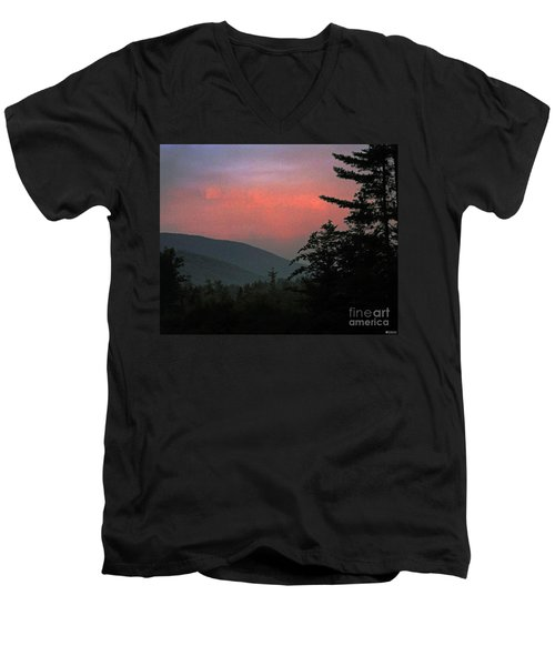 Clucks West Ossipee Mountain Sundown Men's V-Neck T-Shirt