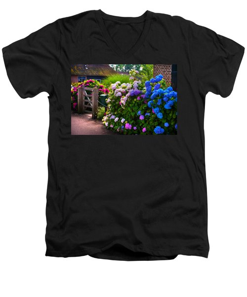 Colorful Hydrangea At The Gate. Giethoorn. Netherlands Men's V-Neck T-Shirt