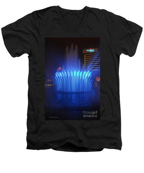 D101l-122 Scioto Mile Fountain Photo Men's V-Neck T-Shirt