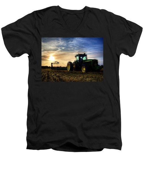 Deere Sunset Men's V-Neck T-Shirt