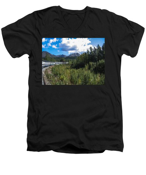 Denali Alaska Men's V-Neck T-Shirt