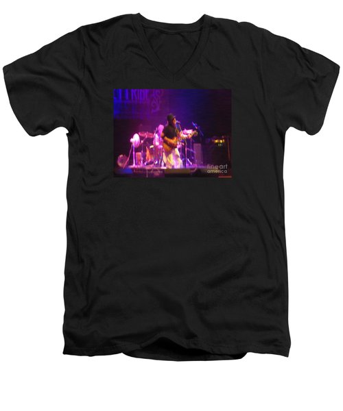 Men's V-Neck T-Shirt featuring the photograph Devon Allman by Kelly Awad
