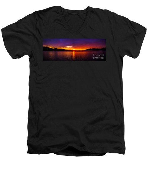 Dexter Lake Oregon Sunset 2 Men's V-Neck T-Shirt