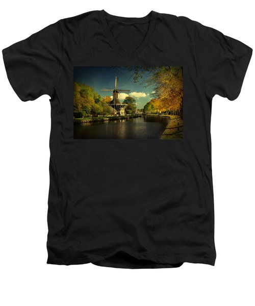Dutch Windmill Men's V-Neck T-Shirt