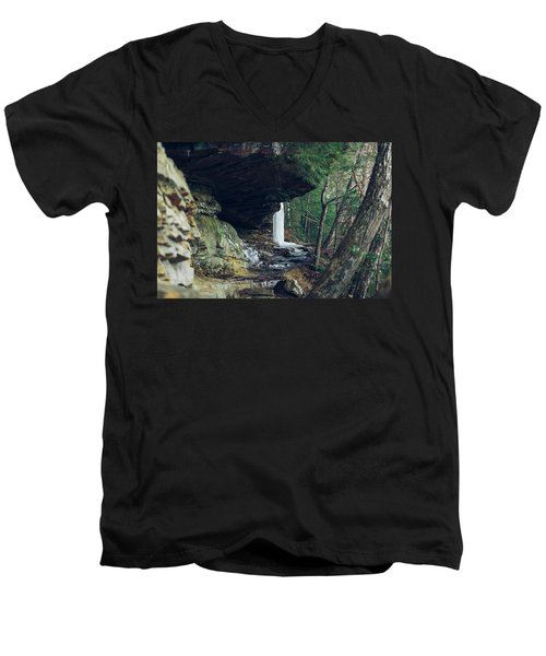 Eaglefalls Trail In Winter Men's V-Neck T-Shirt
