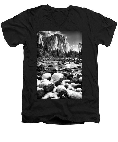 El Cap And Snow Men's V-Neck T-Shirt