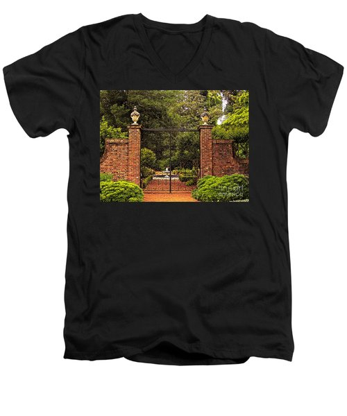 Elizabethan Gardens Men's V-Neck T-Shirt