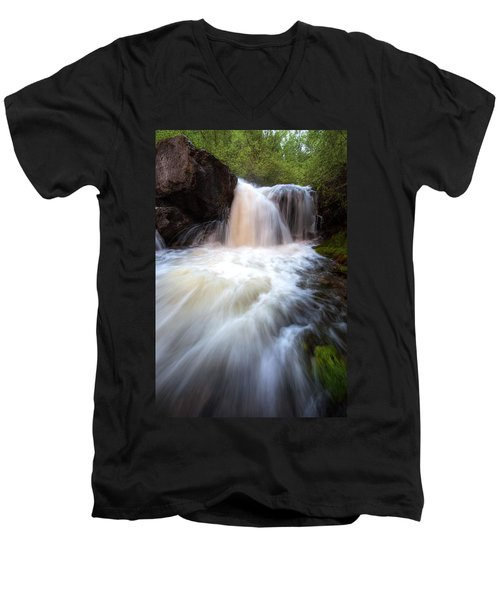 Men's V-Neck T-Shirt featuring the photograph Fall And Splash by David Andersen