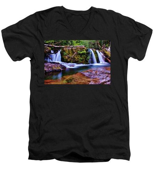 Fall Creek Oregon 3 Men's V-Neck T-Shirt