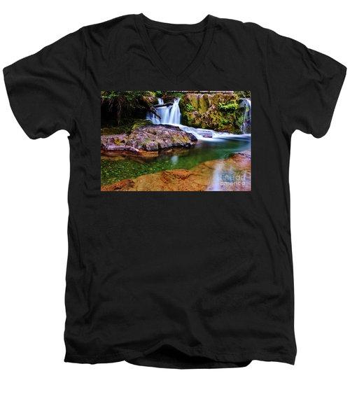 Fall Creek Oregon Men's V-Neck T-Shirt