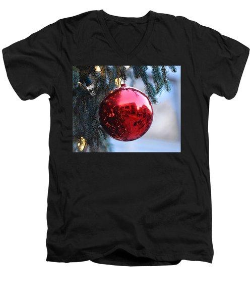 Faneuil Hall Christmas Tree Ornament Men's V-Neck T-Shirt