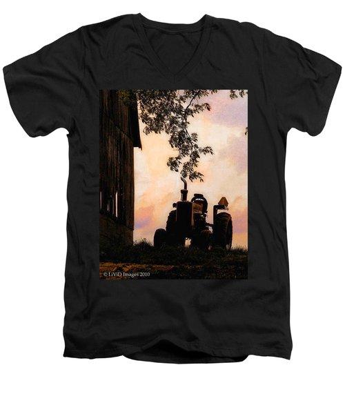 Farmers Sunset Men's V-Neck T-Shirt