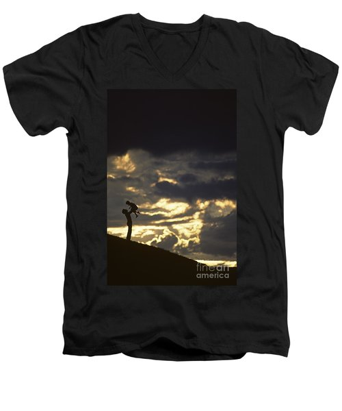 Father Holding Daughter Above His Head Along Hillside Silhouette Men's V-Neck T-Shirt