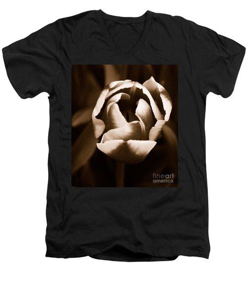 Fine Art - Tulip Men's V-Neck T-Shirt