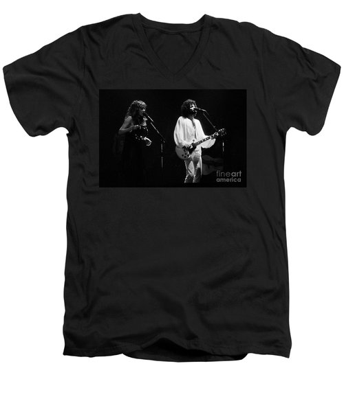 Fleetwood Mac In Amsterdam 1977 Men's V-Neck T-Shirt