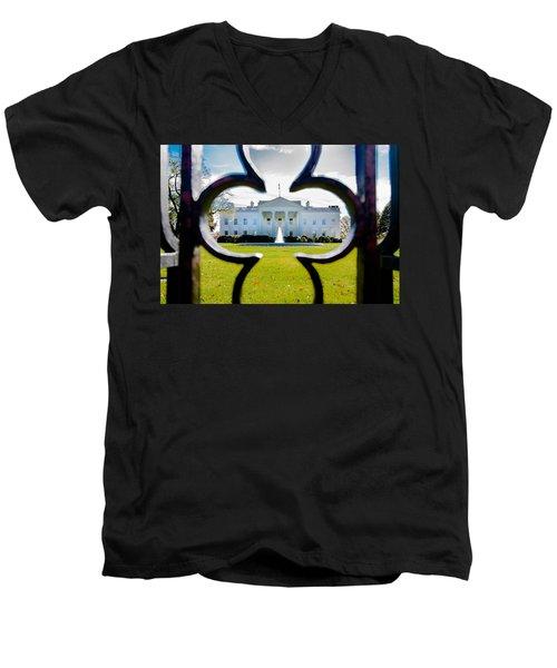 Framed Whitehouse Men's V-Neck T-Shirt