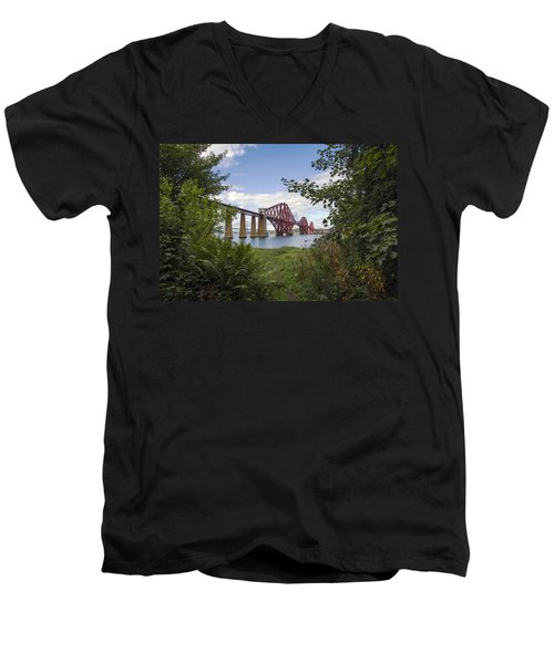 Framing The Forth Bridge Men's V-Neck T-Shirt