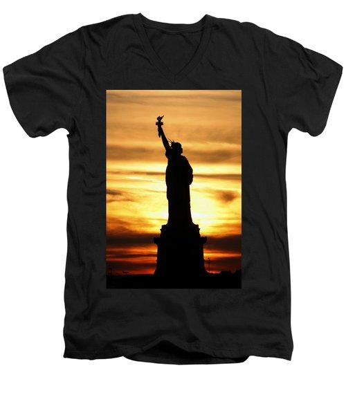 Statue Of Liberty Silhouette Men's V-Neck T-Shirt
