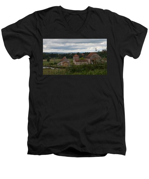 French Farm House Men's V-Neck T-Shirt