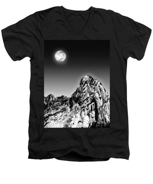 Full Moon Over The Suicide Rock Men's V-Neck T-Shirt