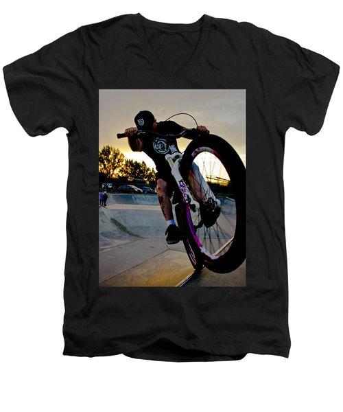 Fumanchue Men's V-Neck T-Shirt