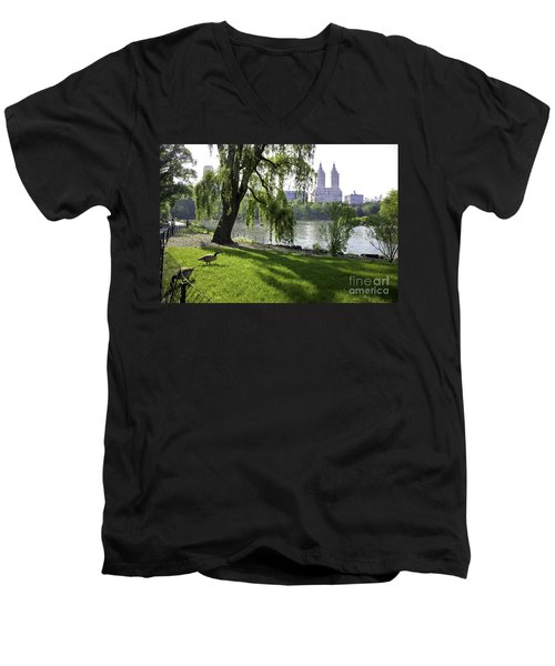 Geese In Central Park Nyc Men's V-Neck T-Shirt
