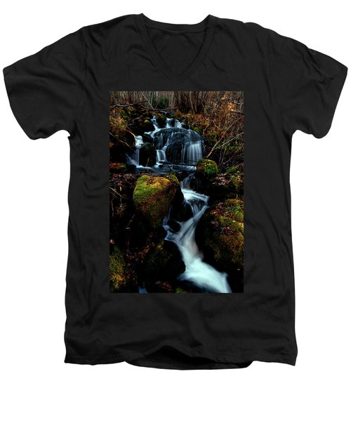 Men's V-Neck T-Shirt featuring the photograph Gentle Descent by Jeremy Rhoades