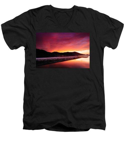 Geoje Skyfire Men's V-Neck T-Shirt