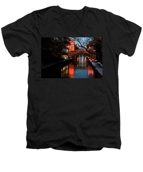 Georgetown Glimmer Men's V-Neck T-Shirt