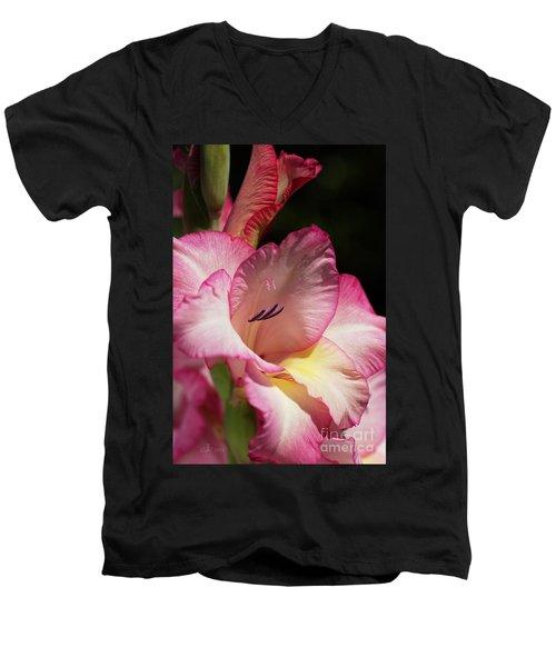 Gladiolus In Pink Men's V-Neck T-Shirt