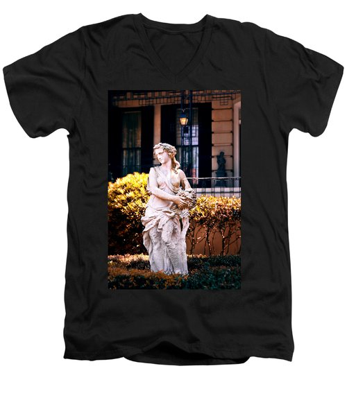 Goddess Of The South Men's V-Neck T-Shirt