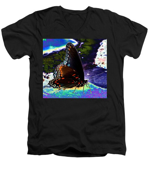Gona-fly-butterfly Men's V-Neck T-Shirt