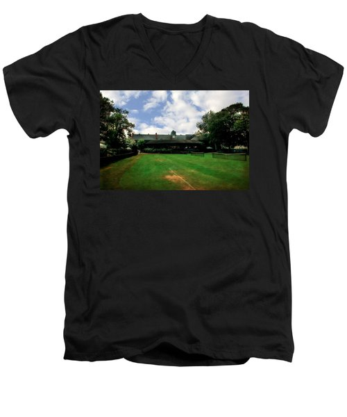 Grass Courts At The Hall Of Fame Men's V-Neck T-Shirt