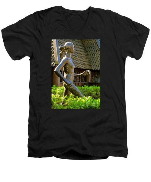 Men's V-Neck T-Shirt featuring the photograph Grete Waitz Sculpture by Joy Hardee