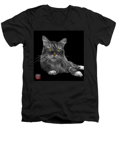 Greyscale Maine Coon Cat - 3926 - Bb Men's V-Neck T-Shirt