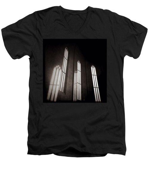 Hallgrimskirkja Windows Men's V-Neck T-Shirt