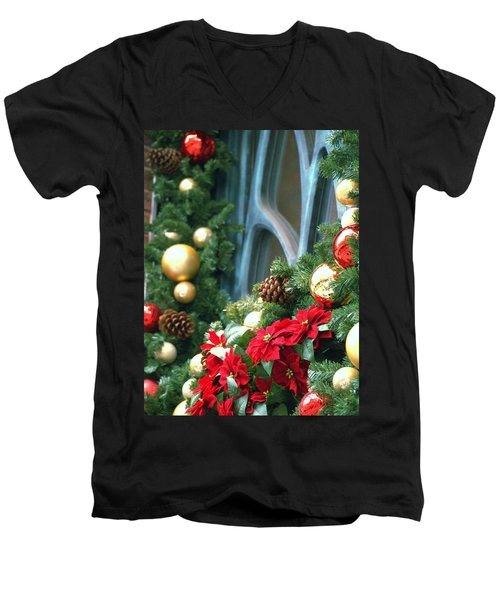 Happy Chirstmas Men's V-Neck T-Shirt