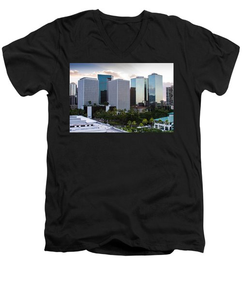 Honolulu Men's V-Neck T-Shirt