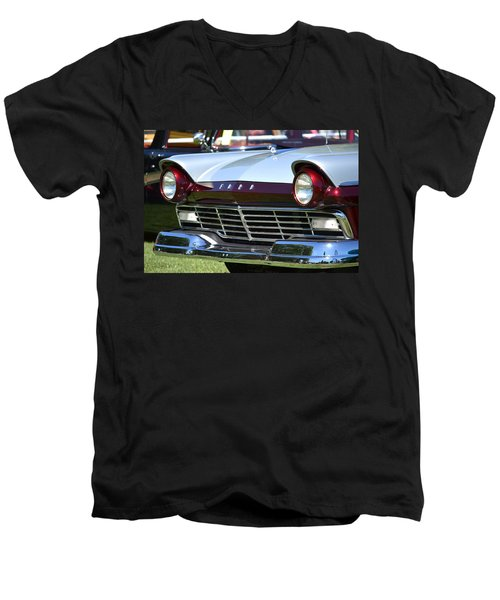 Men's V-Neck T-Shirt featuring the photograph Hr-11 by Dean Ferreira